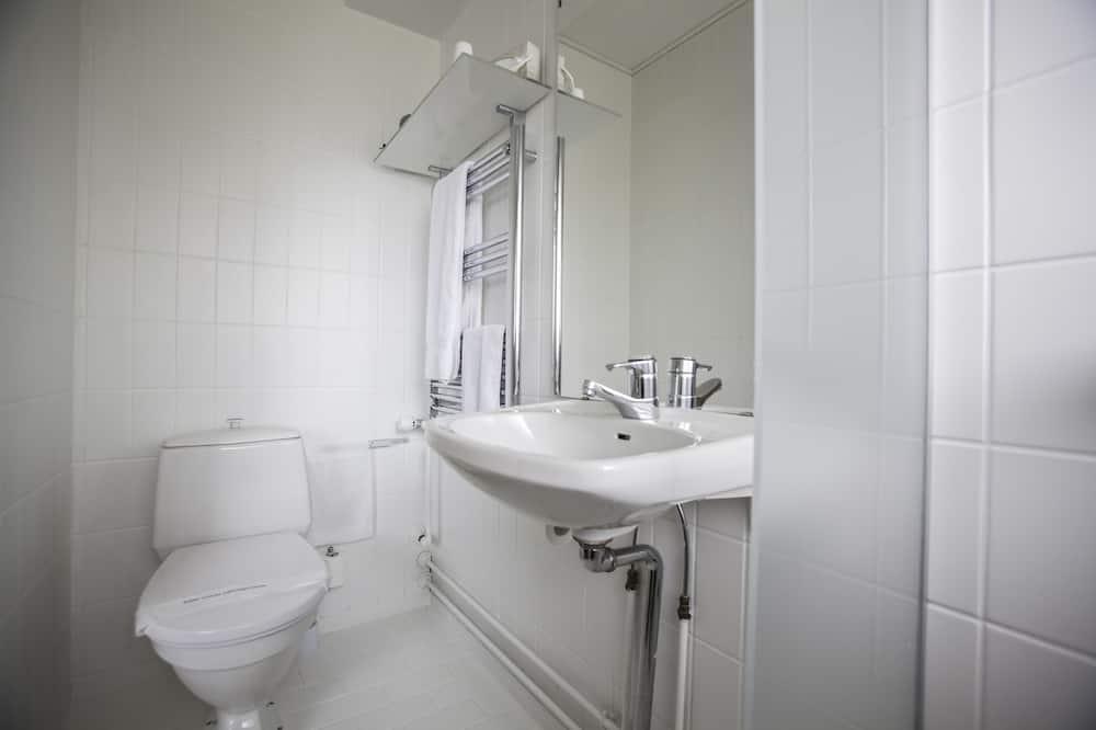 Standard Single Room, 1 Twin Bed, Private Bathroom - Bathroom