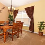 Villa, 4 Bedrooms, Kitchen - In-Room Dining