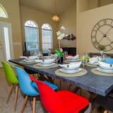 Villa, 4 chambres, cuisine - Restauration dans la chambre
