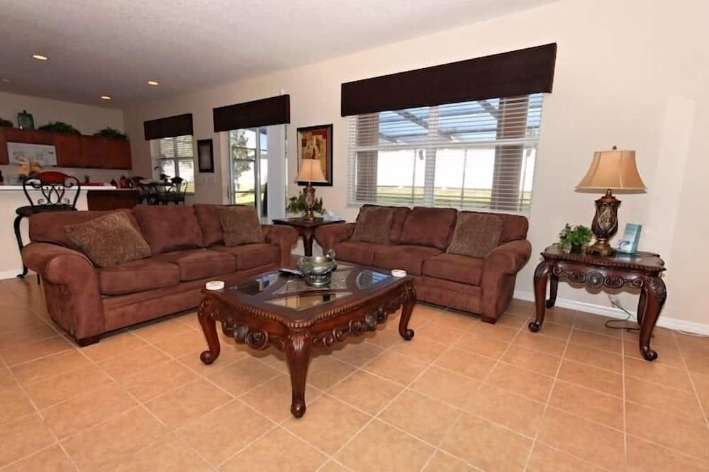 Villa, 5 habitaciones, cocina - Sala de estar