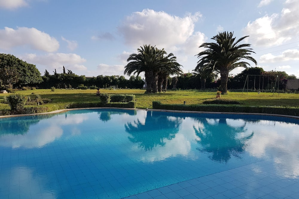 Villa With one Bedroom in Bouskoura, With Shared Pool and Enclosed Garden - 12 km From the Beach