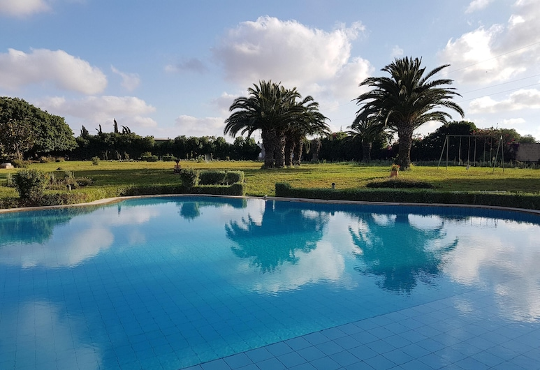 Villa With one Bedroom in Bouskoura, With Shared Pool and Enclosed Garden - 12 km From the Beach, Bouskoura