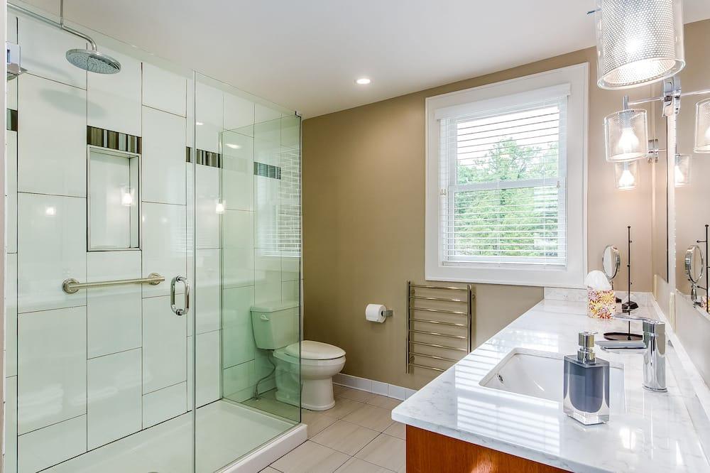 Classic-Zimmer, 1 Queen-Bett, eigenes Bad (New York Room) - Badezimmer