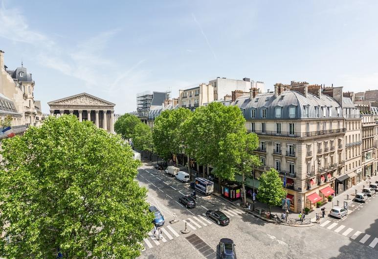 Luxury 2 Bedroom Duplex - Beautiful Monument View, Paris