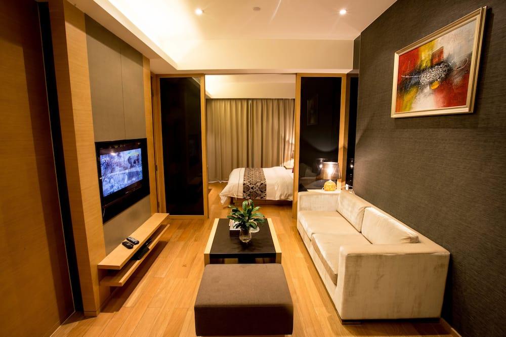 Deluxe Suite - Living Area