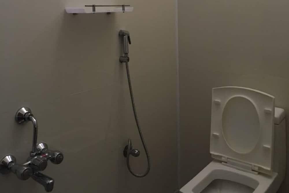 Basic Apartment, 1 Double Bed, Non Smoking - Bathroom