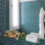 Izba s dvojlôžkom alebo oddelenými lôžkami, nefajčiarska izba, výhľad na vinicu - Kúpeľňa