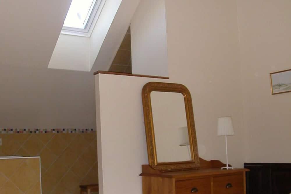 Twin Room (Marie) - Bathroom
