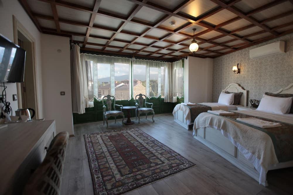 Luxury Triple Room - Bathroom