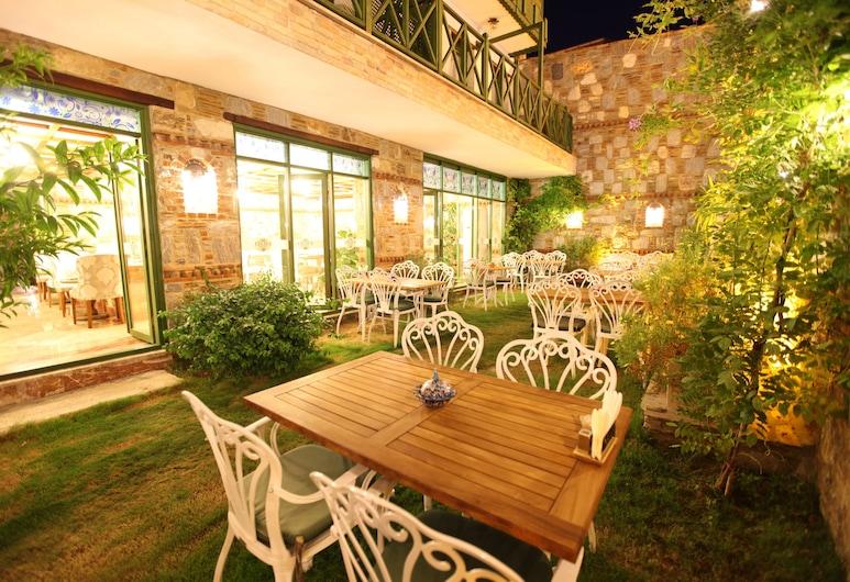 Celsus Boutique Hotel, Selçuk, Bahçe