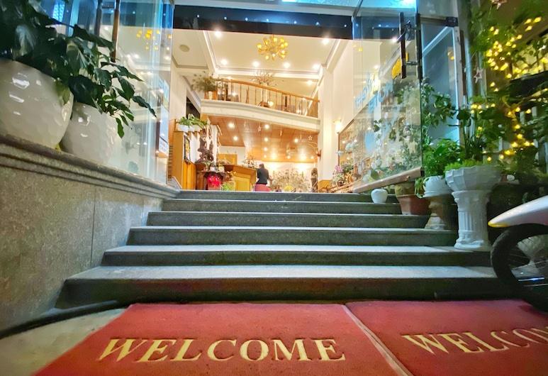 Gold Night Hotel, Da Lat, Recepcija