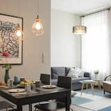 Deluxe Apartment, 2 Bedrooms, Non Smoking - Living Room