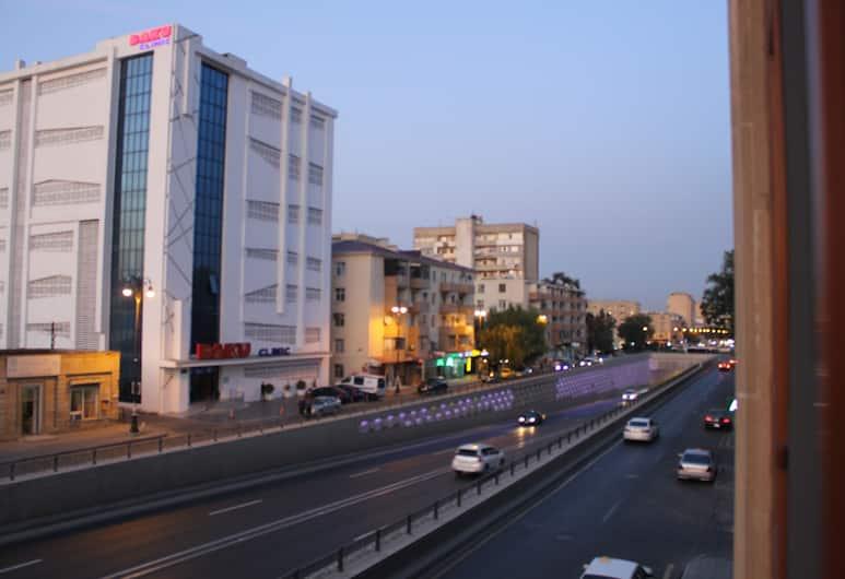 Отель ALP Inn, Баку, Стандартный трехместный номер, Вид на город