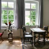 Premium Apartment, Multiple Beds - In-Room Dining