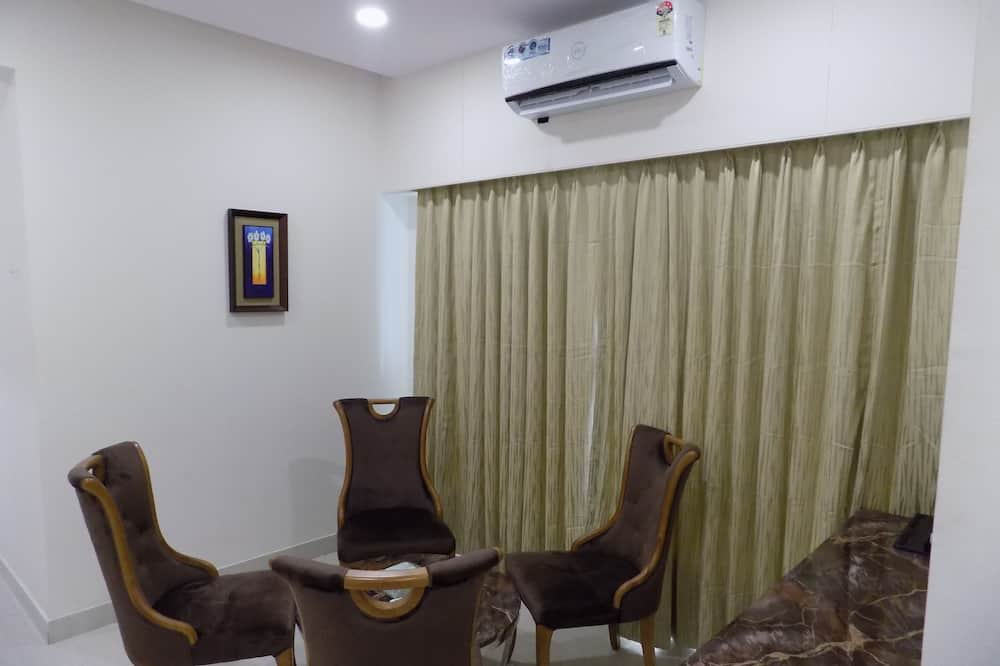 Executive Twin Room, 2 Twin Beds, Non Smoking, City View - Living Room