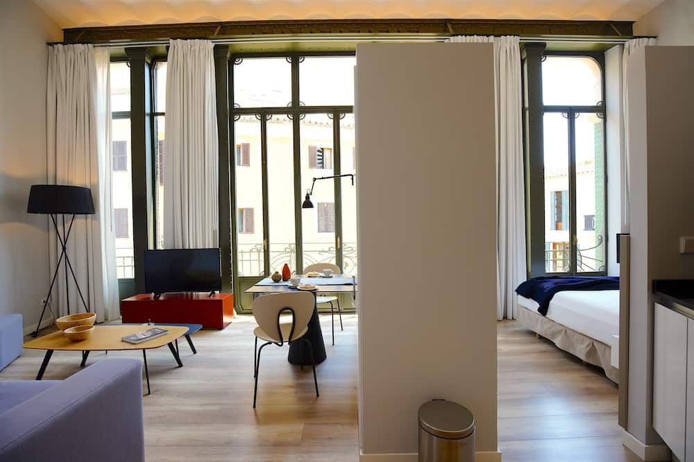 Exclusive Loft, 1 Queen Bed, Non Smoking - Living Area