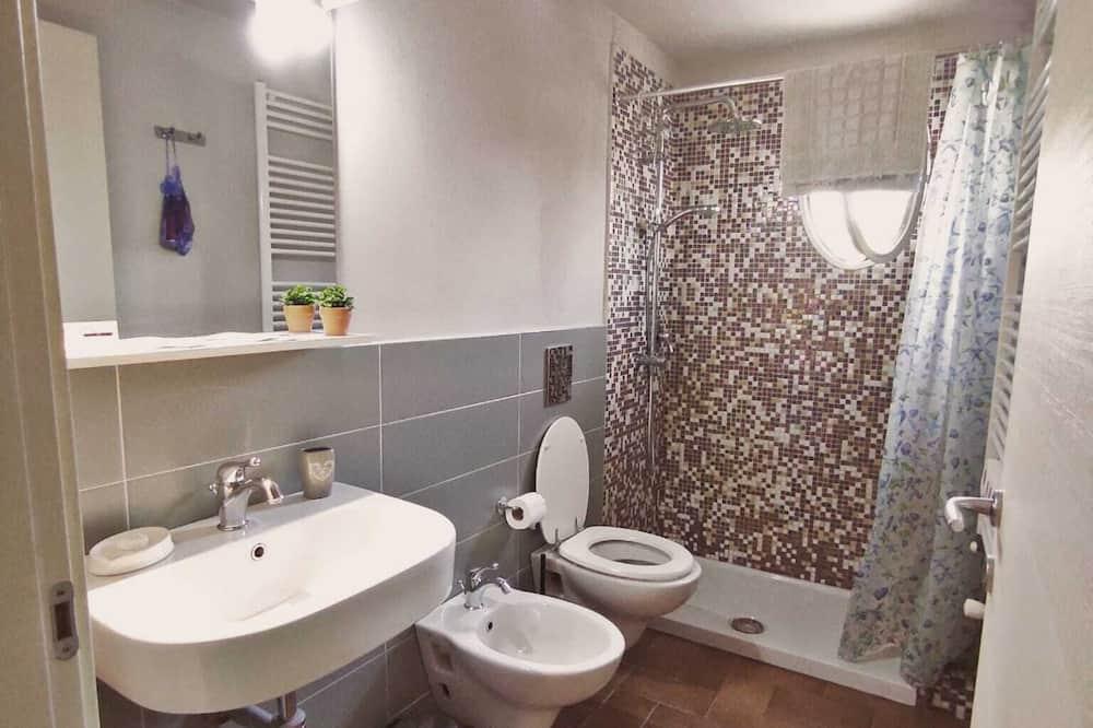 Traditional Tek Büyük Yataklı Oda - Banyo
