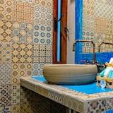 Dvojlôžková izba, 2 veľké dvojlôžka - Kúpeľňa