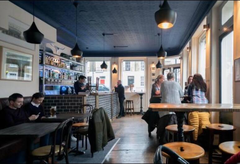 The Cuckoo N1, Lontoo, Hotellin baari