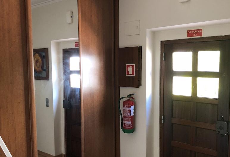 Margarida Guest House, Almada, Ieejas interjers