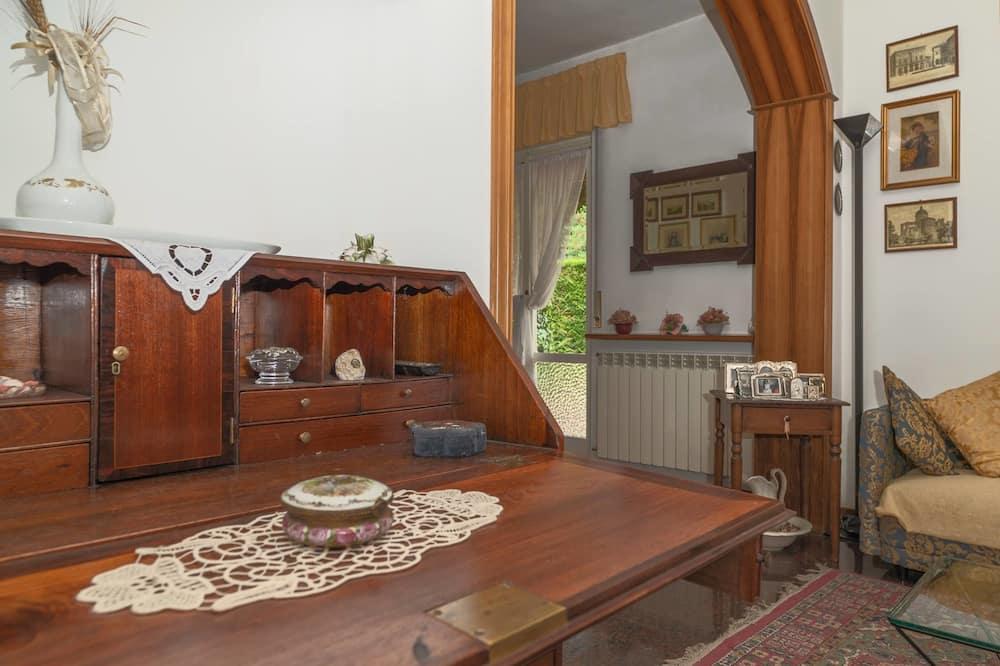 Deluxe Apartment, 3 Bedrooms, Terrace, Garden View (Giardino) - In-Room Dining