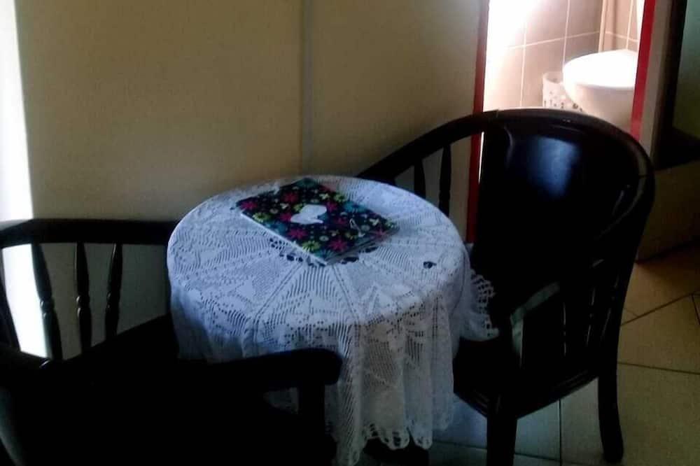 Standard Single Room, 1 Bedroom - In-Room Dining