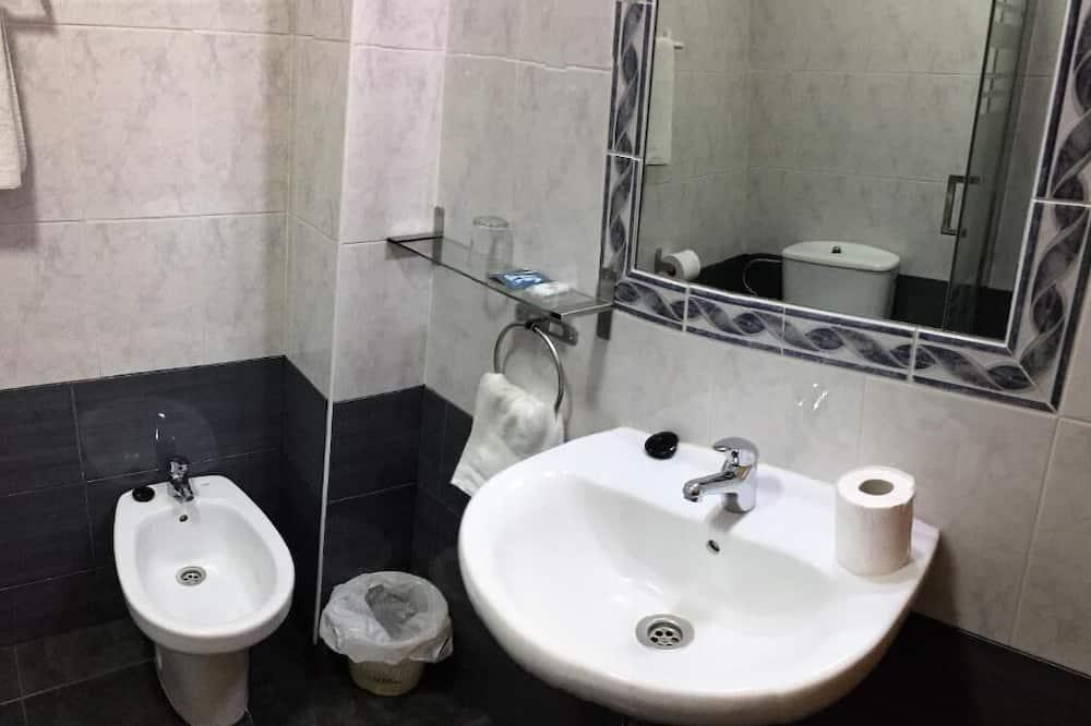 Single Room, Balcony - Bathroom