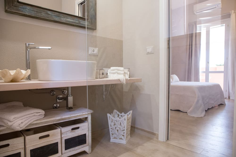 Superior Suite, Balcony, Canal View - Bathroom