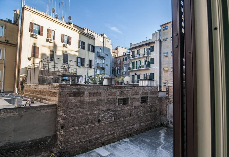 Apartment With one Bedroom in Roma, With Wifi, Rome