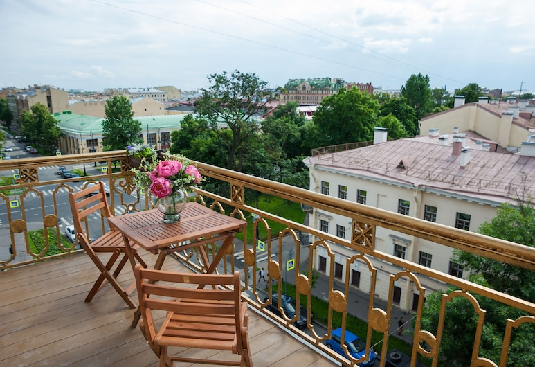 Art Hotel Dom Rerikha, St. Petersburg, Deluxe Suite, 1 King Bed, Non Smoking, Balcony