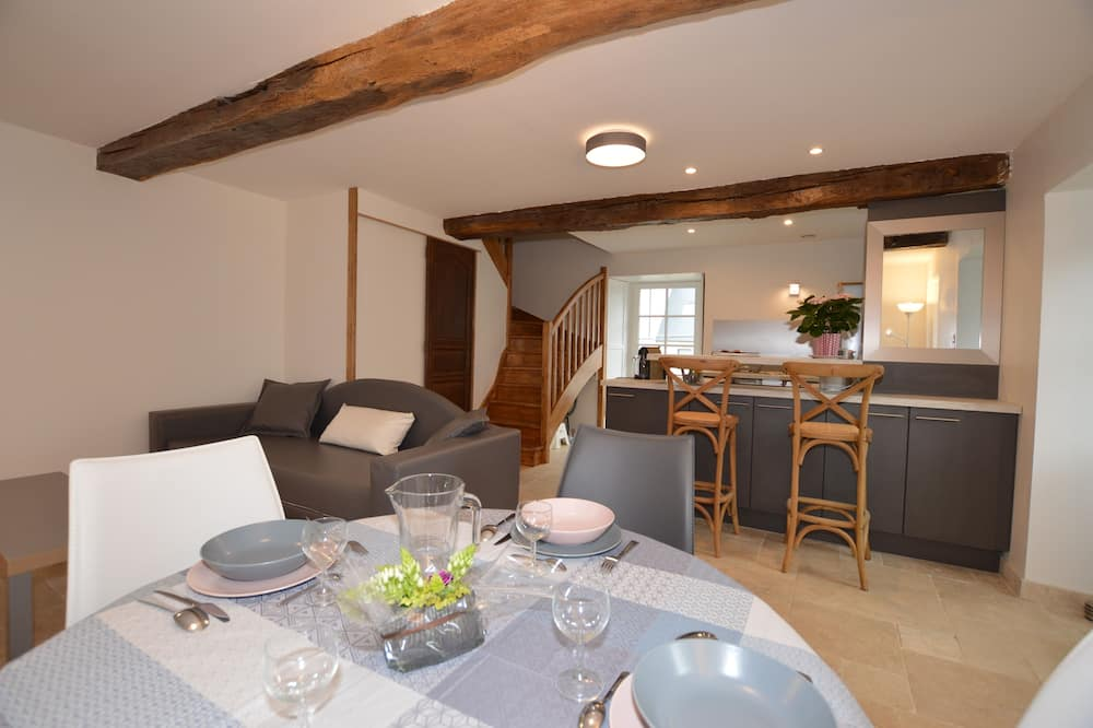Apartment (Le Un) - In-Room Dining