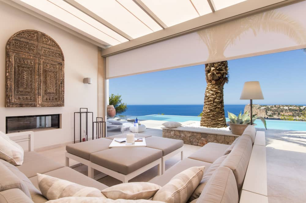 Villa, 6 magamistoaga, privaatbasseiniga - Esimene mulje