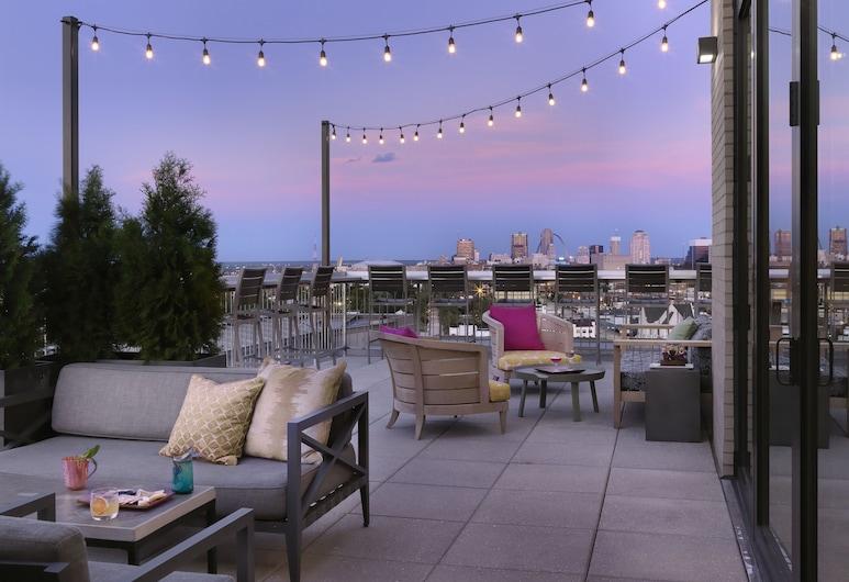 Angad Arts Hotel, St. Louis, Terraza o patio
