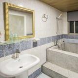 Dvojlôžková izba typu Basic, 2 dvojlôžka, nefajčiarska izba - Kúpeľňa