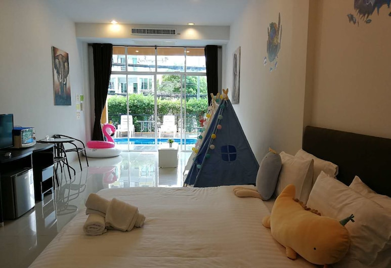 Only Blue Hotel, Patong, Family Room with Pool Access , Hosťovská izba
