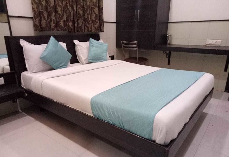 Hotel Sharda Sion, Mumbai, Deluxe Room, 1 Double Bed, Smoking, Guest Room