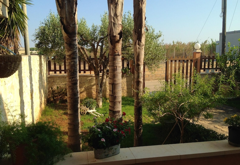 House With 2 Bedrooms in Scoglitti, With Wonderful sea View, Enclosed Garden and Wifi - 500 m From the Beach, Vittoria, Jardín