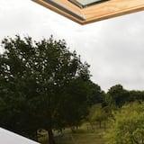 Ferienhaus, 2Schlafzimmer - Blick auf den Garten