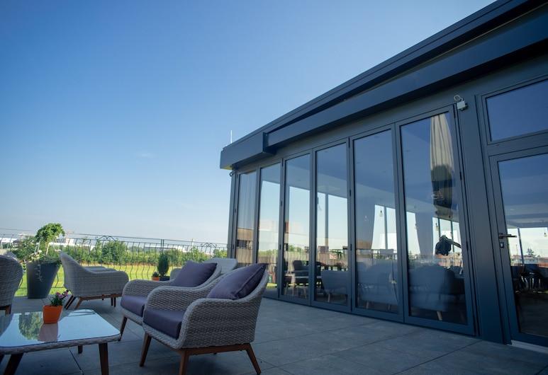 HOTEL TIME, Velika Gorica, Terrasse/veranda