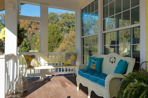 historicalyellow Tea Cup Cottage,farm Setting,spring H2o,wifi, Knoxville Area/></noscript><img class=