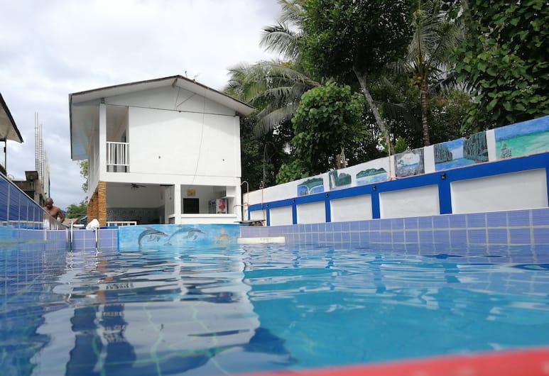 艾爾尼多白色之家飯店, 愛妮島, 游泳池