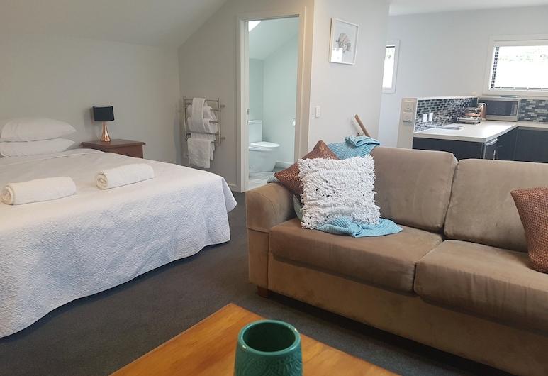 A Lofty Place, Taupo, Standard Loft, City View, Guest Room