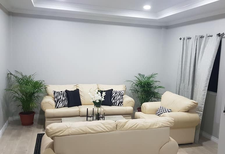J and L Apartments, Gros Islet, Apartment, 2 Bedrooms, Living Room