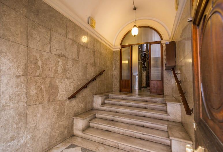 Beautiful Home, Rome, Escalier