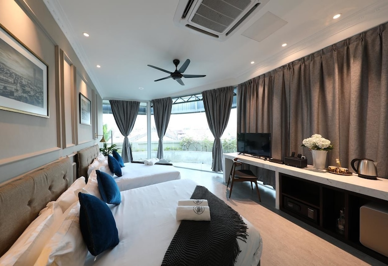 Reunion Residence, George Town, Executive Quadruple Room, 2 Queen Beds, Non Smoking, Guest Room