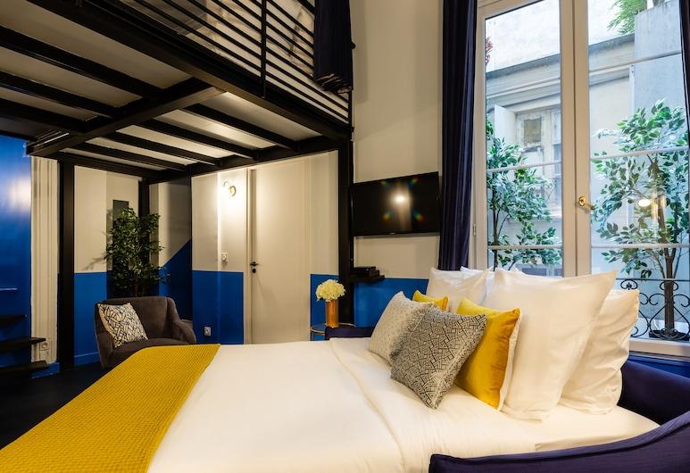 Luxury 2 Bedroom 2 Bathroom - AC - Louvre & Marais, Paris, Luxury Apartment, Multiple Beds, Non Smoking, Living Room