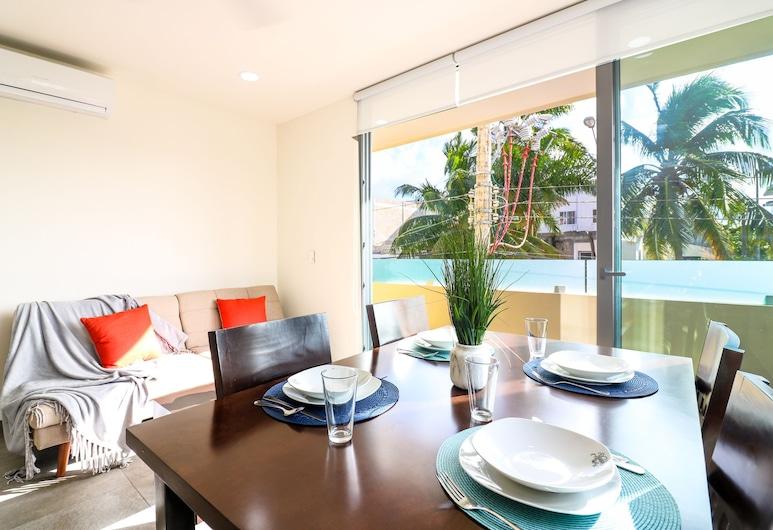 The Furlough Fur201, Playa del Carmen, Apartment, In-Room Dining
