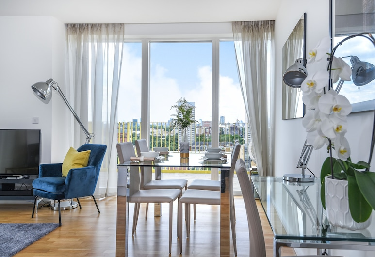 Millharbour Residences, London, Apartment, 2 Bedrooms, 1 Bathroom, Living Room