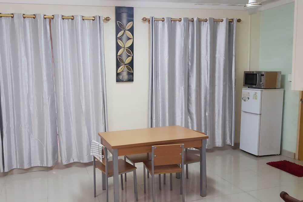 Comfort villa, 2 slaapkamers, uitzicht op bergen - Eetruimte in kamer