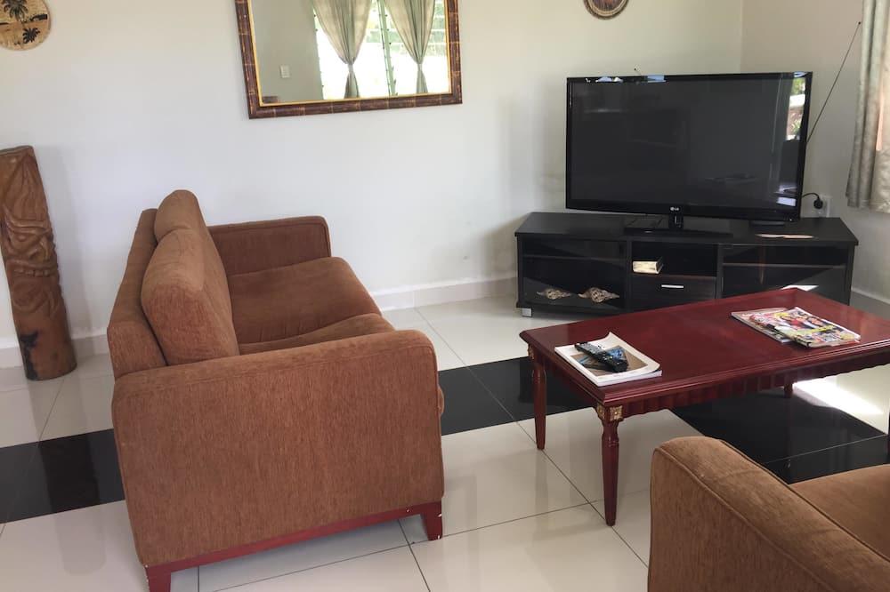 En-suite Queen Room  - Living Room